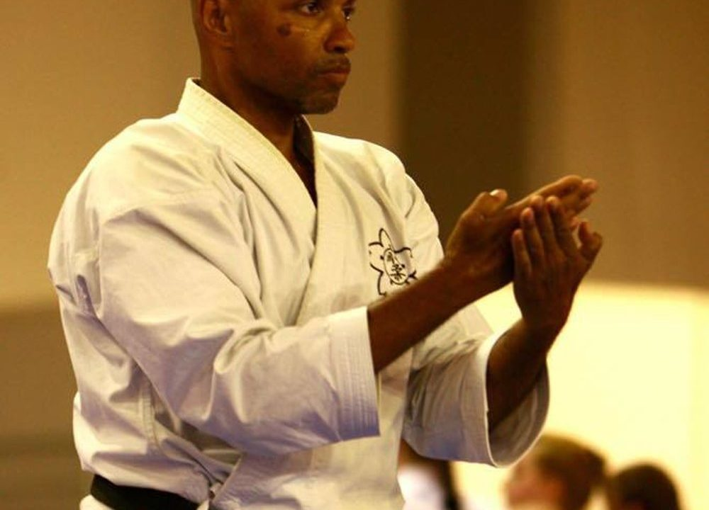 https://karate-slovakia.sk/wp-content/uploads/fredy6-1000x720.jpeg